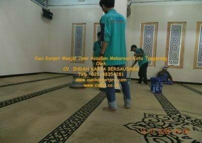cuci-karpet-masjid-jami-assalam-mekarsari-28