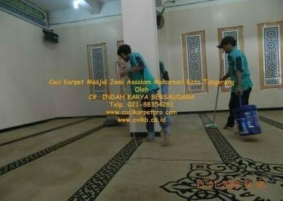 cuci-karpet-masjid-jami-assalam-mekarsari-29