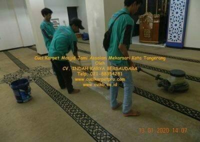 cuci-karpet-masjid-jami-assalam-mekarsari-31