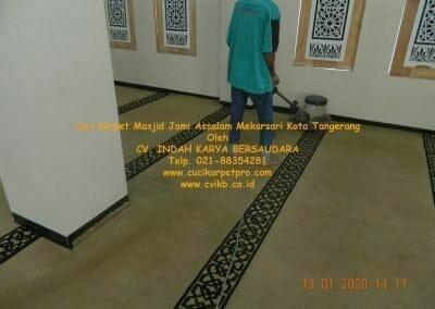 cuci-karpet-masjid-jami-assalam-mekarsari-32