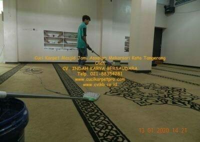 cuci-karpet-masjid-jami-assalam-mekarsari-36
