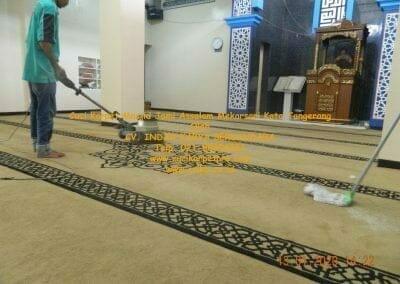 cuci-karpet-masjid-jami-assalam-mekarsari-37