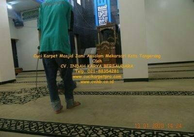cuci-karpet-masjid-jami-assalam-mekarsari-39