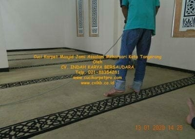 cuci-karpet-masjid-jami-assalam-mekarsari-40