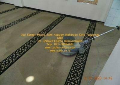 cuci-karpet-masjid-jami-assalam-mekarsari-47
