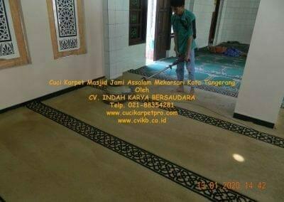 cuci-karpet-masjid-jami-assalam-mekarsari-49