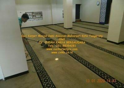cuci-karpet-masjid-jami-assalam-mekarsari-50