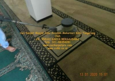 cuci-karpet-masjid-jami-assalam-mekarsari-55