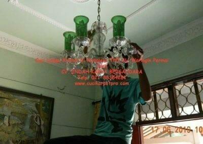 cuci-lampu-kristal-di-kompleks-tni-au-10