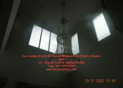 cuci-lampu-kristal-di-kota-wisata-43