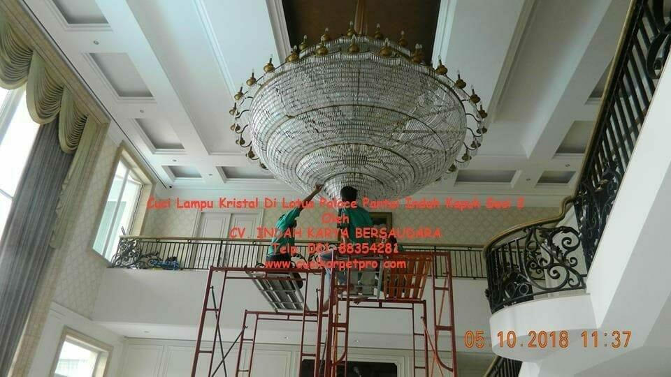 Cuci Lampu Kristal Di Lotus Palace Pantai Indah Kapuk Sesi 2
