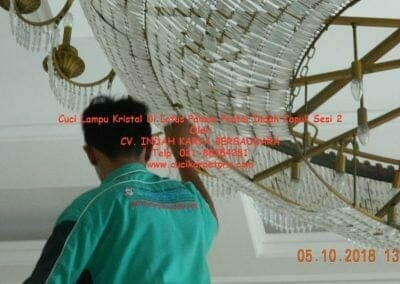 cuci-lampu-kristal-di-lotus-palace-sesi-2-59