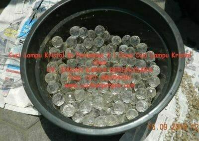 cuci-lampu-kristal-di-perumnas-3-08