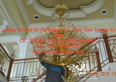 cuci-lampu-kristal-di-perumnas-3-09