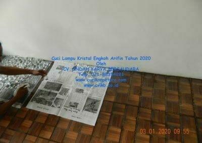 cuci-lampu-kristal-engkoh-arifin-tahun-2020-05