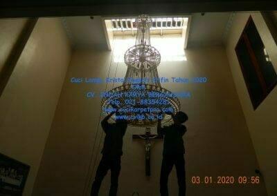 cuci-lampu-kristal-engkoh-arifin-tahun-2020-07