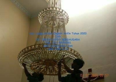 cuci-lampu-kristal-engkoh-arifin-tahun-2020-11