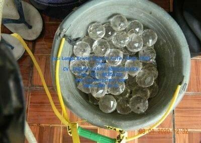 cuci-lampu-kristal-engkoh-arifin-tahun-2020-40