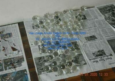 cuci-lampu-kristal-engkoh-arifin-tahun-2020-42