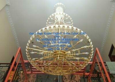 cuci-lampu-kristal-engkoh-arifin-tahun-2020-49