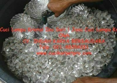 cuci-lampu-kristal-ibu-sari-04