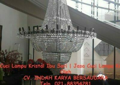 cuci-lampu-kristal-ibu-sari-06