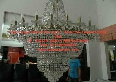 cuci-lampu-kristal-ibu-sari-16