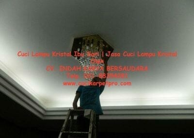 cuci-lampu-kristal-ibu-sari-20