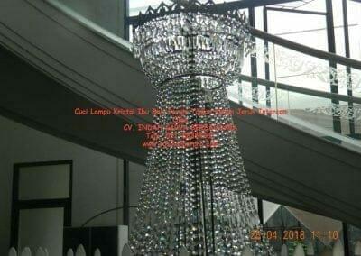 cuci-lampu-kristal-ibu-sari-2018-10