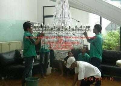 cuci-lampu-kristal-ibu-sari-2018-11