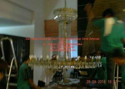 cuci-lampu-kristal-ibu-sari-2018-22