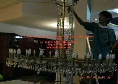 cuci-lampu-kristal-ibu-sari-2018-24