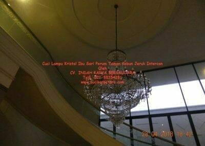 cuci-lampu-kristal-ibu-sari-2018-27