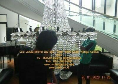 cuci-lampu-kristal-ibu-sari-tahun-2020-07