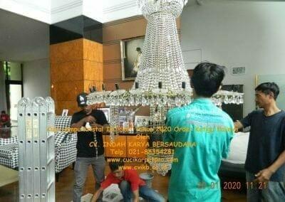 cuci-lampu-kristal-ibu-sari-tahun-2020-08