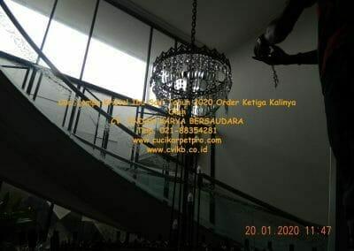 cuci-lampu-kristal-ibu-sari-tahun-2020-29