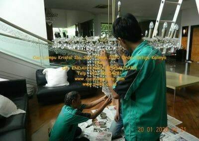 cuci-lampu-kristal-ibu-sari-tahun-2020-47