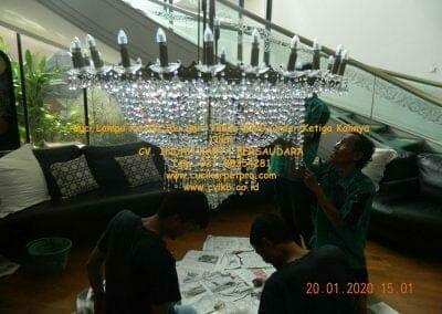 cuci-lampu-kristal-ibu-sari-tahun-2020-52