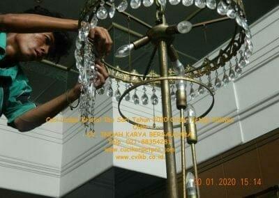 cuci-lampu-kristal-ibu-sari-tahun-2020-56