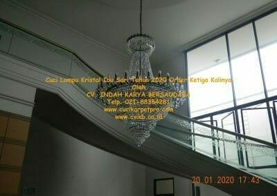 cuci-lampu-kristal-ibu-sari-tahun-2020-58