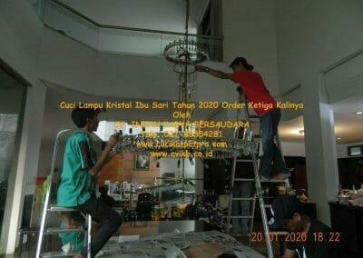 cuci-lampu-kristal-ibu-sari-tahun-2020-61