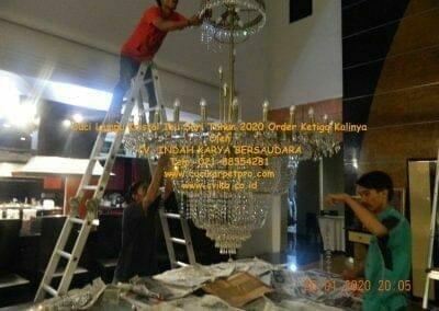 cuci-lampu-kristal-ibu-sari-tahun-2020-67