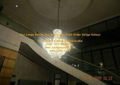 cuci-lampu-kristal-ibu-sari-tahun-2020-73