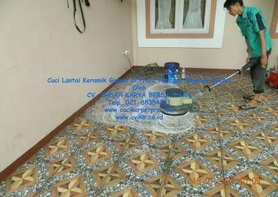 cuci-lantai-keramik-garasi-01