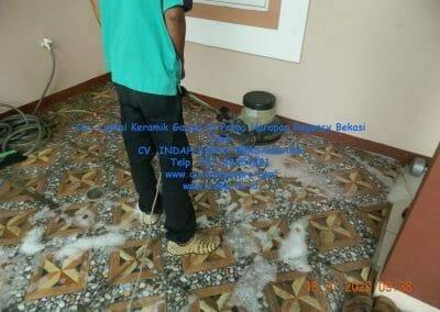 cuci-lantai-keramik-garasi-08