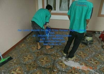 cuci-lantai-keramik-garasi-09
