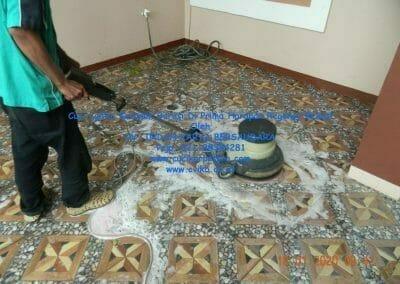 cuci-lantai-keramik-garasi-11