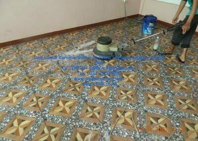 cuci-lantai-keramik-garasi-22