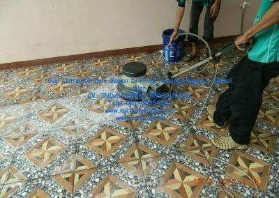 cuci-lantai-keramik-garasi-23