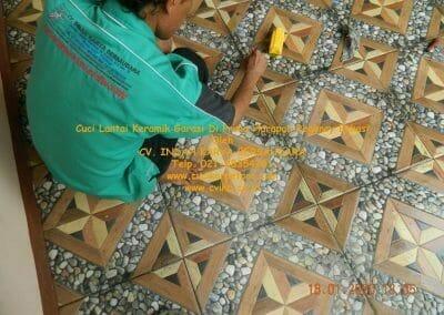 cuci-lantai-keramik-garasi-27